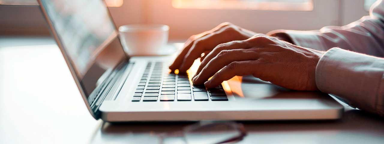 PixoLabo - 12 Powerful Guest Blogging Tips