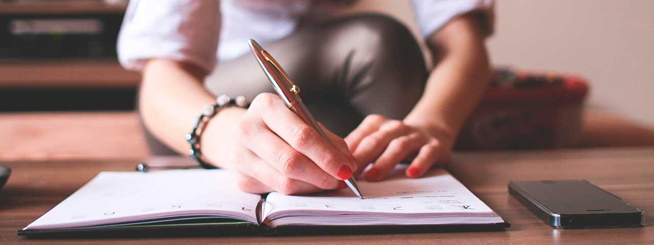 PixoLabo - Key Elements of a Compelling Blog Post - Writing Effective Sentences
