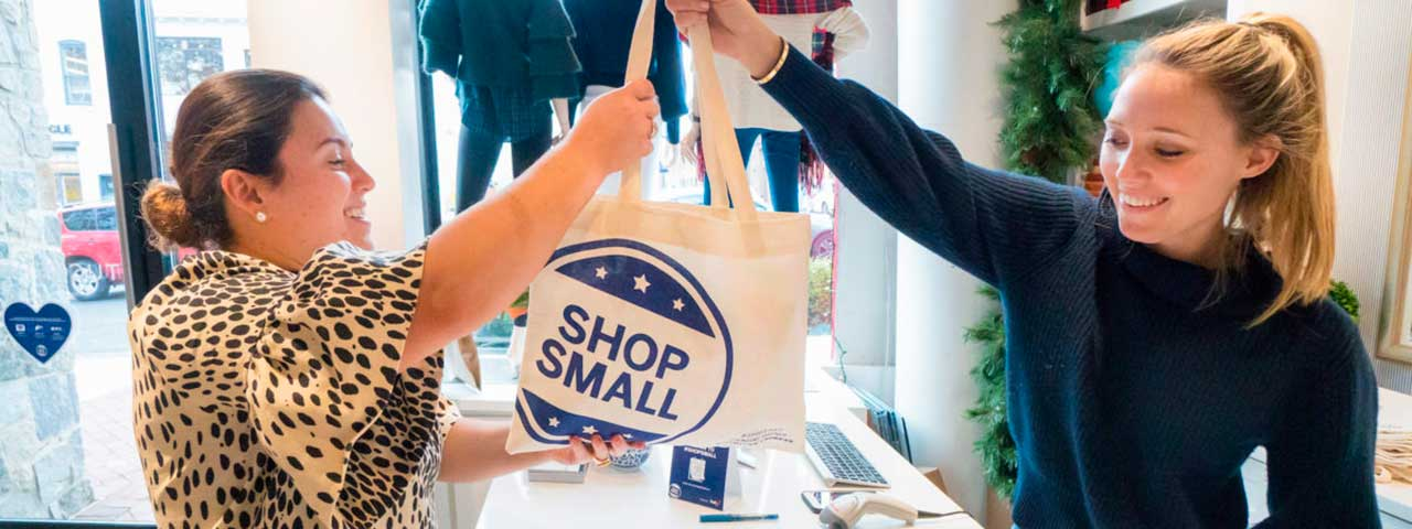 PixoLabo - Small Business Holiday Marketing Tips - Small Business Saturday